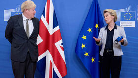 Ursula von der Leyen y Boris Johnson, durante su reunión en Bruselas este miércoles