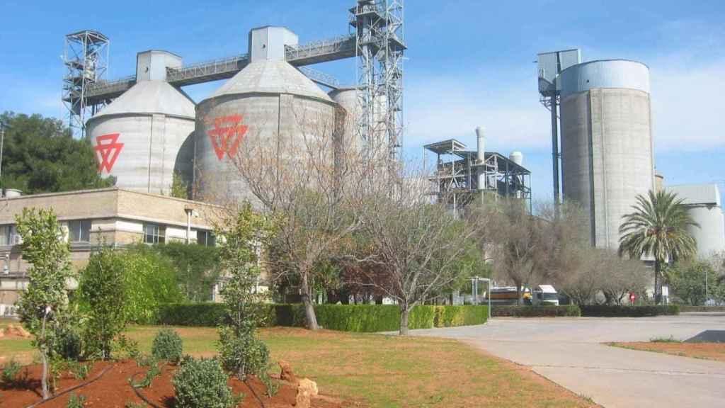 Imagen de una de las plantas de Cementos Portland.