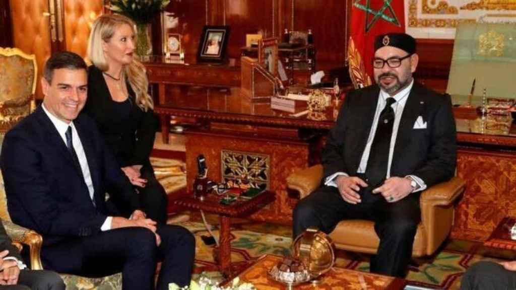 El presidente del Gobierno, Pedro Sánchez, con Mohamed VI en una visita a Rabat en 2019.