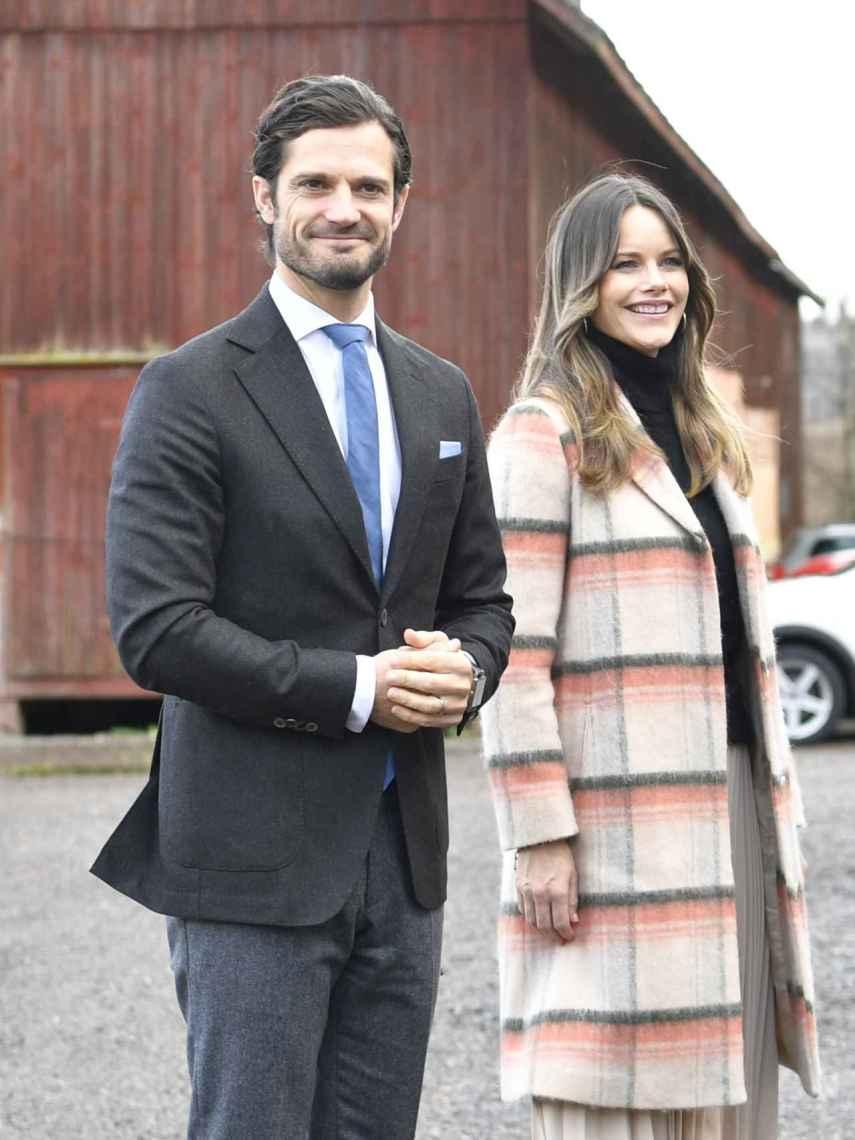Carlos Felipe y Sofía de Suecia dieron positivo en Covid y lo comunicaron públicamente a finales de noviembre.