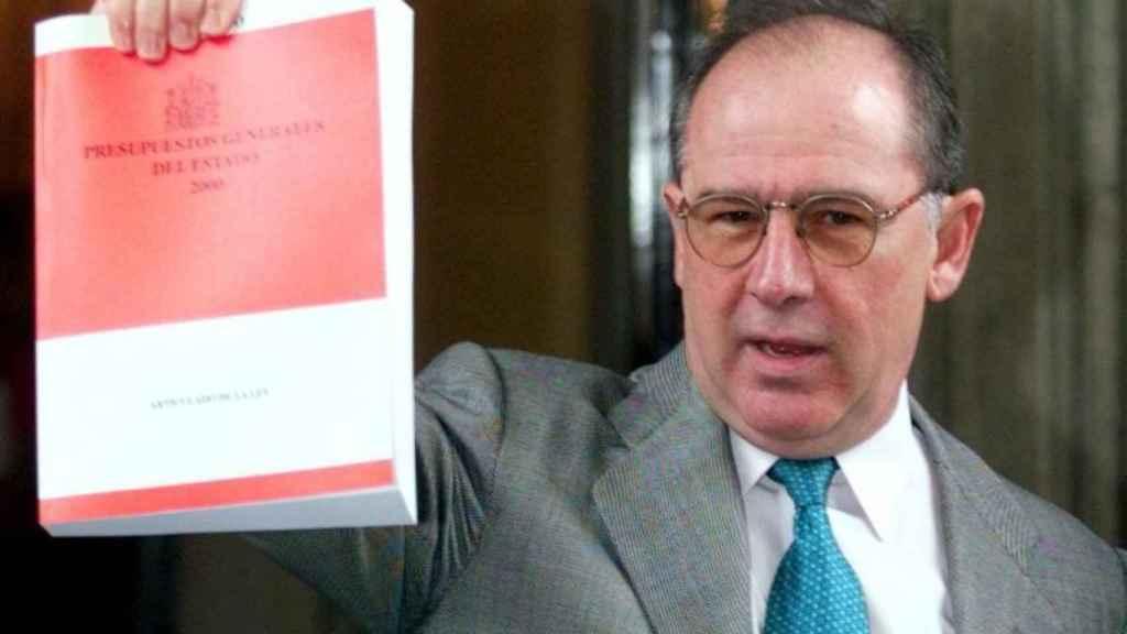 Rato, en su época de ministro de Economía, presentando los Presupuestos Generales del Estado del 2000.