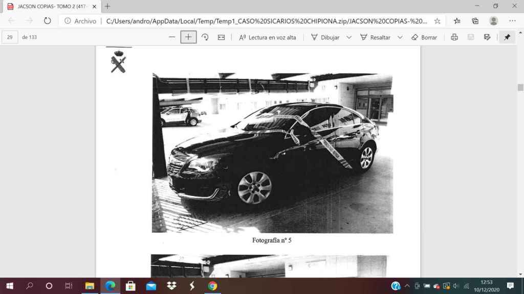 Opel Insignia en el que emprendieron la huida los presuntos sicarios.