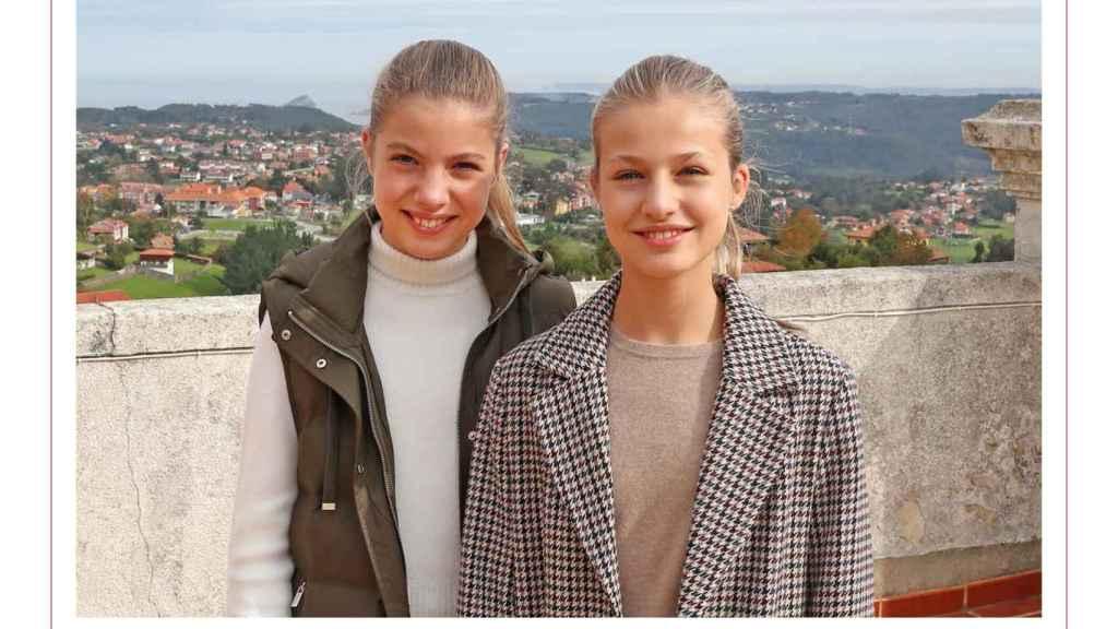 La princesa Leonor y la infanta Sofía protagonizan el christmas navideño de la Familia Real.