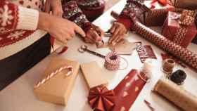 Esto es todo lo que necesitas para envolver regalos y que queden bonitos