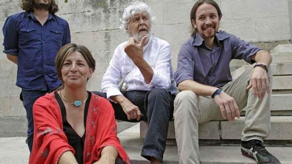 Yolanda Díaz y Xosé Manuel Beiras, líderes de AGE, y Pablo Iglesias, entonces asesor de la pareja durante la campaña de las elecciones gallegas de 2012.