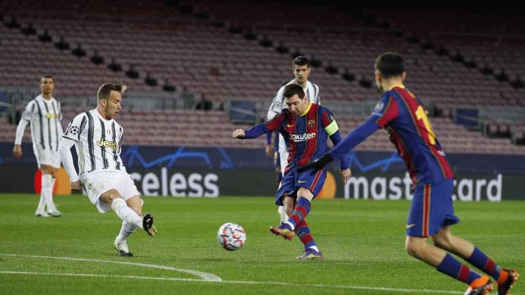 Arthur Melo y Leo Messi, durante un partido de Champions