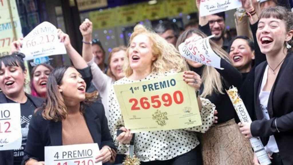 Ganadoras de varios premios en el Sorteo Extraordinario de la Lotería de Navidad 2019.