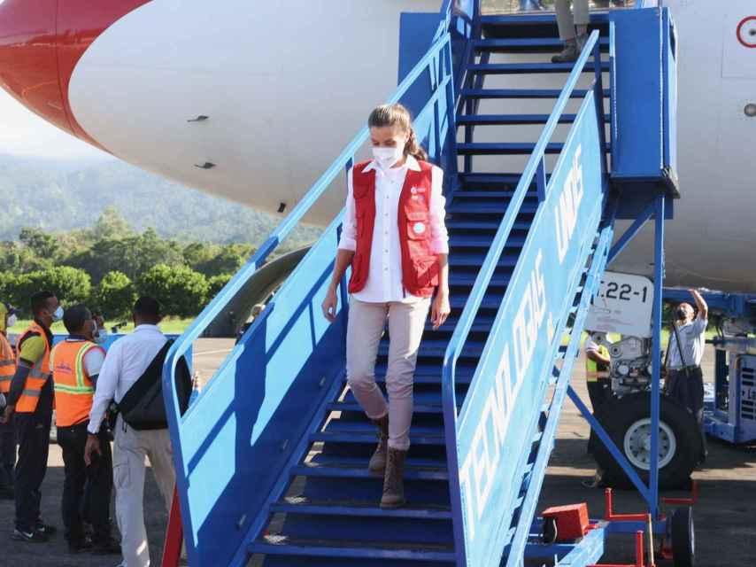 Letizia aterrizó en Honduras con una gran carga de material de emergencia.