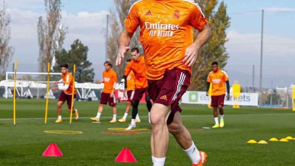 Sergio Santos, durante un entrenamiento previo a un partido de Champions League