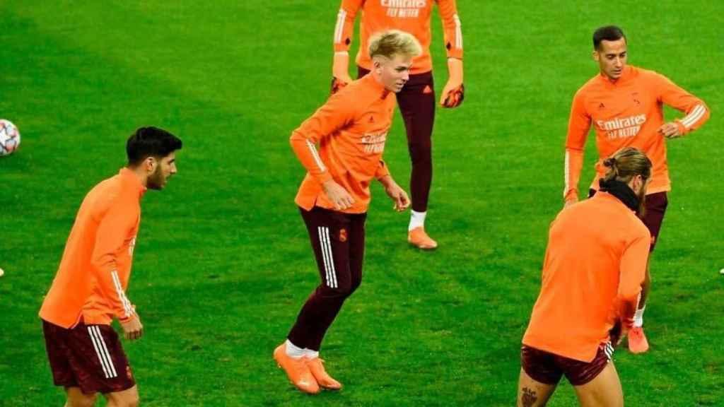 Sergio Santos, durante un entrenamiento con el primer equipo