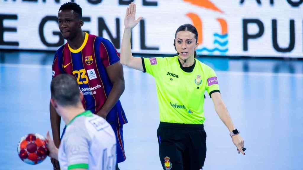 Lorena García, árbitra de la Liga ASOBAL