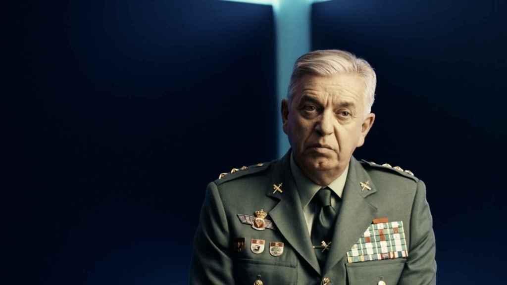 El coronel Manuel Sánchez Corbí es autor del libro que adapta la docuserie.