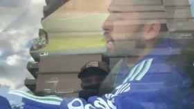 Jordi Alba paga el incendio del vestuario del Barça con varios aficionados: Os aburrís, ¿no?