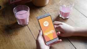 Los Amazon Echo ya pueden usar los podcasts de Spotify en España