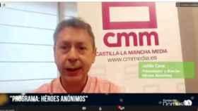 Julián Cano, director de Héroes Anónimos, agradece el premio a la Fundación Domus Vi en la gala telemática celebrada el lunes