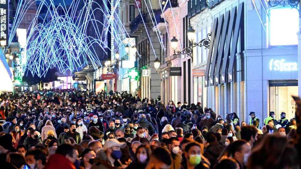Las aglomeraciones en Madrid durante el Black Friday. Efe