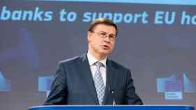 El vicepresidente económico de la Comisión, Valdis Dombroskis, durante la rueda de prensa de este miércoles
