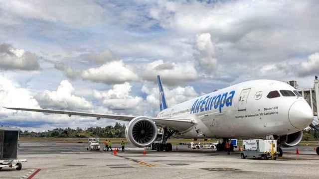Air Europa al límite: su facturación cae un 42,5%, renegocia contratos y prepara recortes salariales