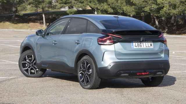 El Citroën ë-C4 se fabrica en Madrid en la planta de Villaverde del Grupo Stellantis.