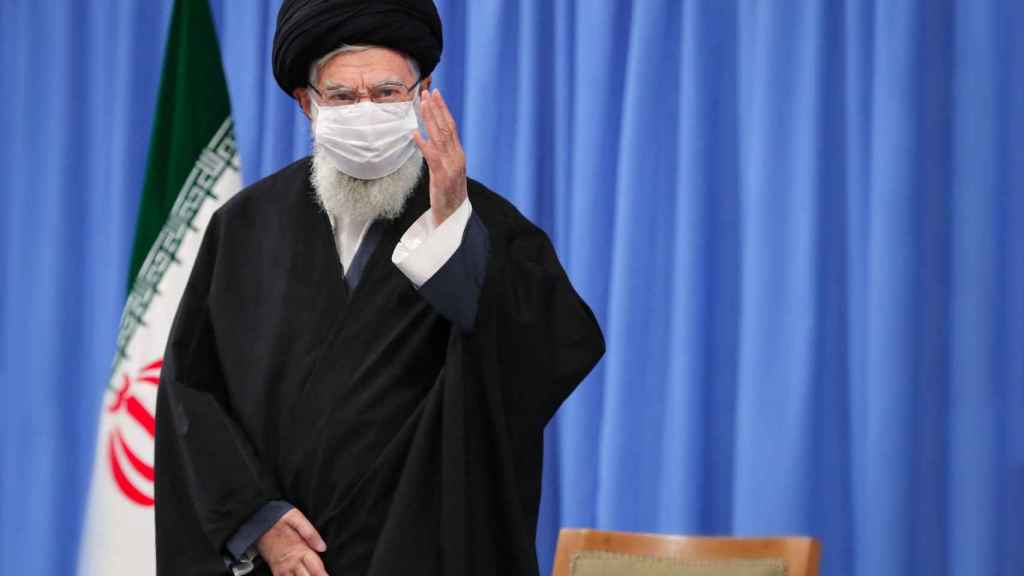 El líder supremo de Irán, el ayatolá Alí Jamenei, durante un encuentro con el Gobierno del país.