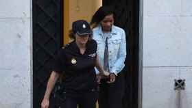 Ana Julia Quezada abandonando la Audiencia Provincial de Almería