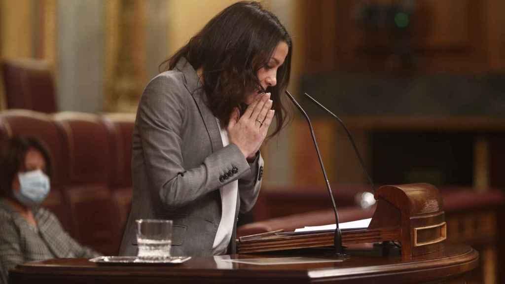 La presidenta de Ciudadanos, Inés Arrimadas, durante el debate sobre la ley de la eutanasia.