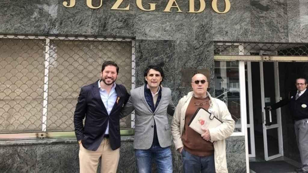 Roca, a la izquierda, al presentar su candidatura por Segovia.
