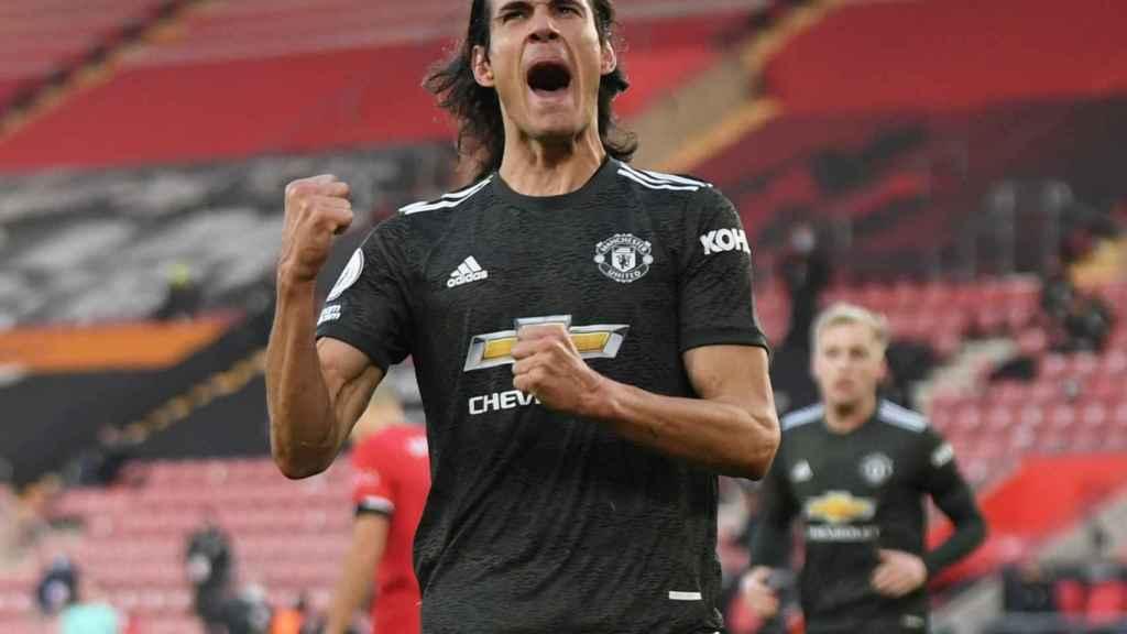 Edinson Cavani, celebrando un gol con el Manchester United