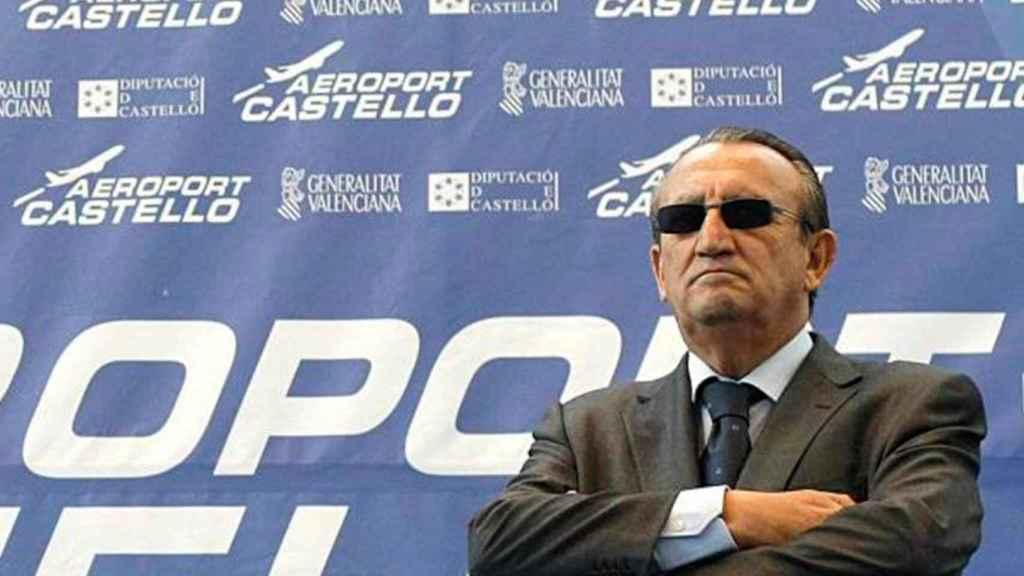 Carlos Fabra, en el Aeropuerto de Castellón.