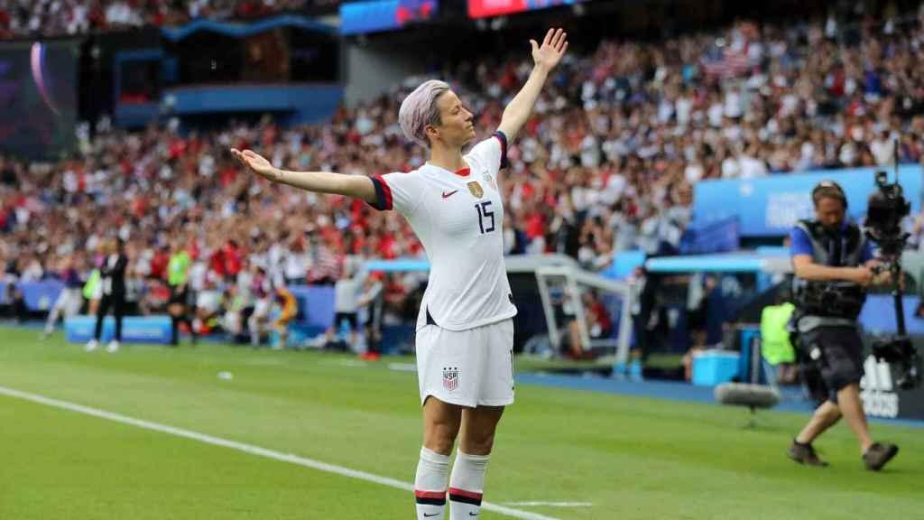 Megan Rapinoe celebrando un gol