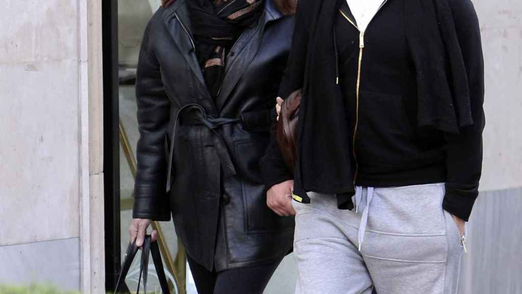 Carmen Martínez Bordiú y Timothy McKeague por las calles de Madrid.