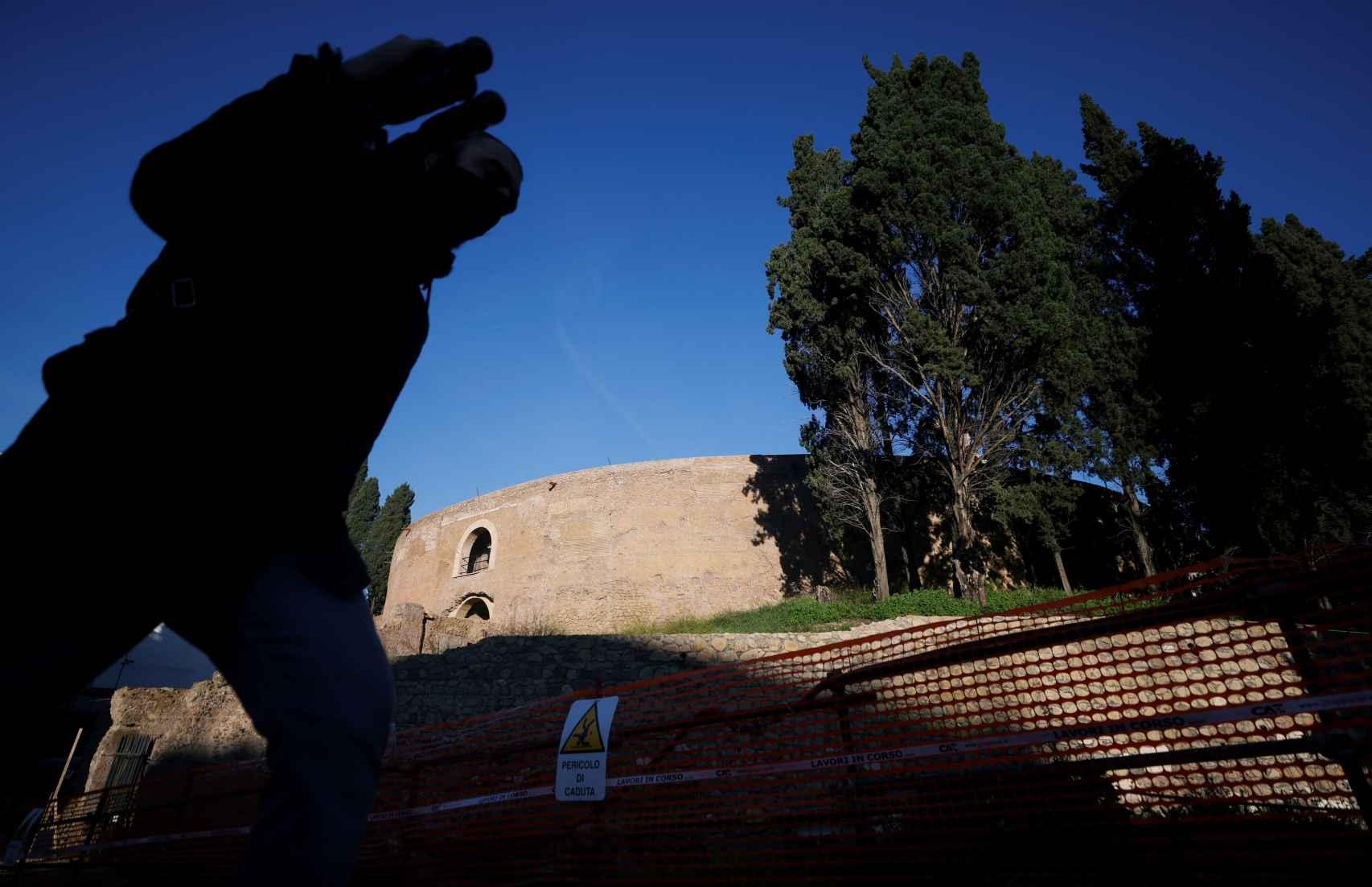 Vista exterior del mausoleo de Augusto.