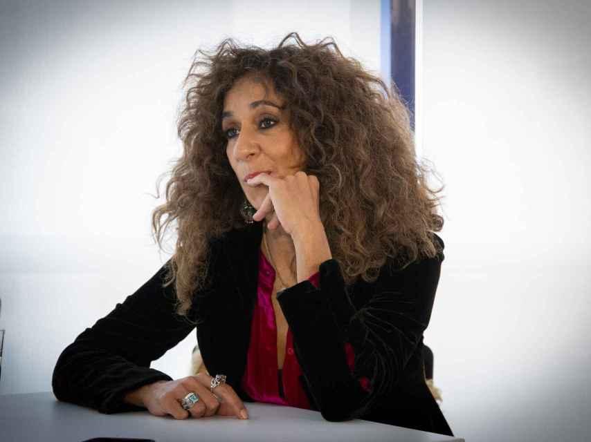 Rosario Flores.