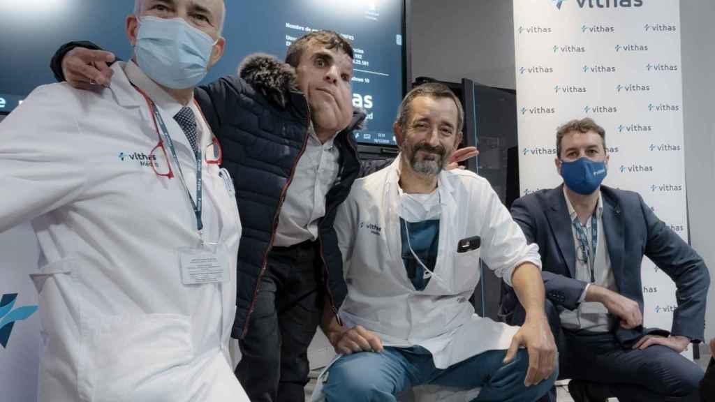Dr. José Luis Rey, Ali Amnad Rifi, Dr. Pedro Cavadas y el Dr. Ángel Ayuso