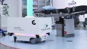 ASSUM  es un robot de esterilización autónomo que actúa con luz ultravioleta y elimina todo tipo de microbacterias.