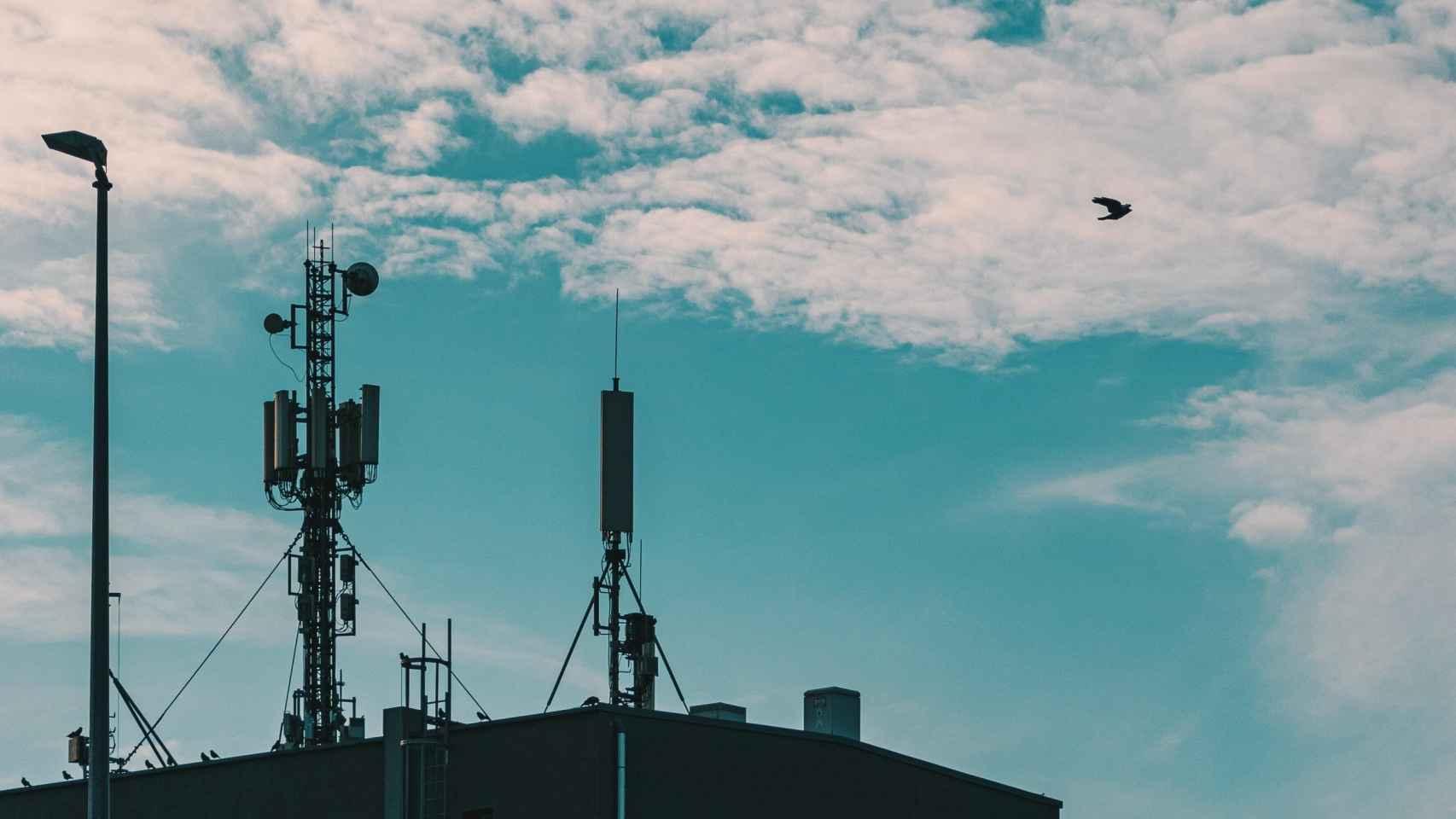 La banda de 700 Mhz permitirá extender la cobertura 5G más rápidamente.