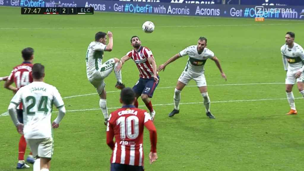 La acción de Diego Costa que pitaron penalti