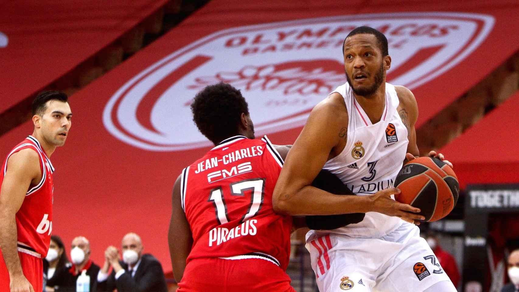 Randolph ante Olympiacos