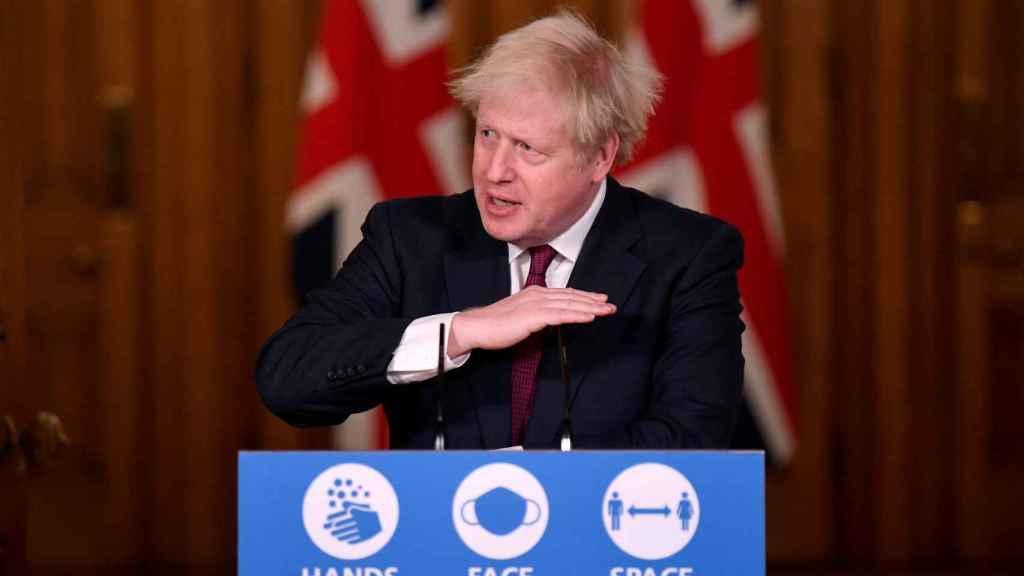 Johnson durante la rueda de prensa que ha ofrecido en Londres.
