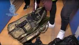Una de las armas intervenidas al detenido en Barcelona esta semana.