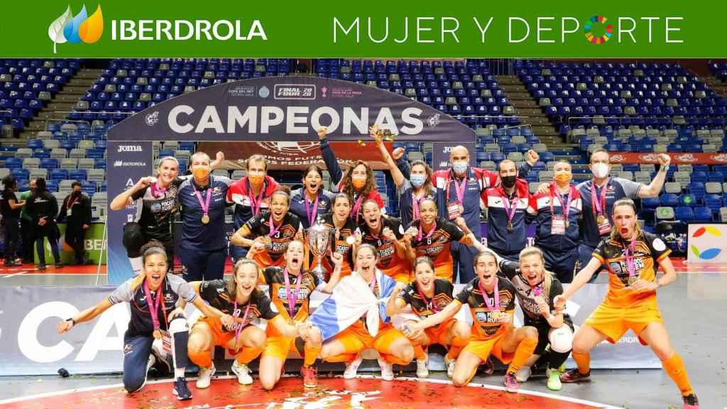 El Burela FS celebra el título en la Copa de la Reina