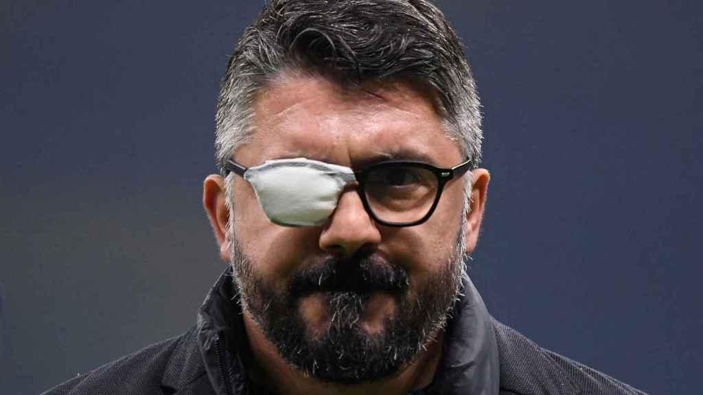 Gennaro Gattuso, en un partido del Nápoles con el parche en el ojo