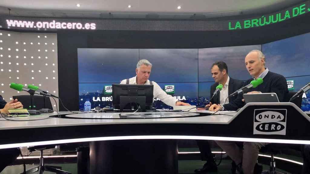 Los directivos de Accenture y Leroy Merlin en el estudio de La Brújula de Onda Cero.