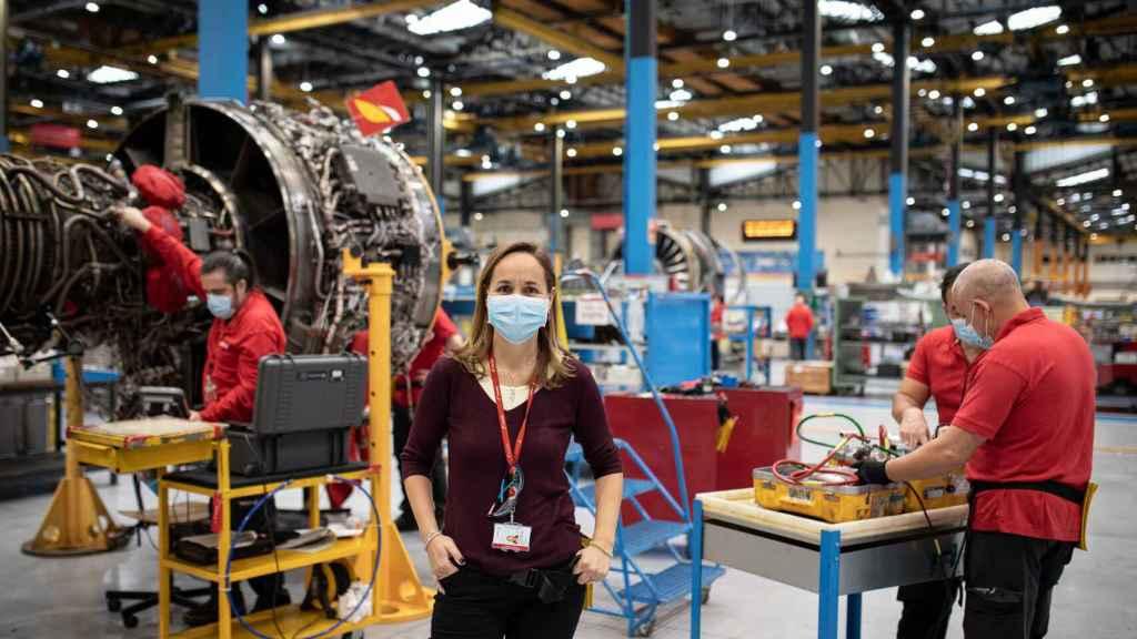Eylo González, jefa del taller de motores de Iberia, con 600 empleados.