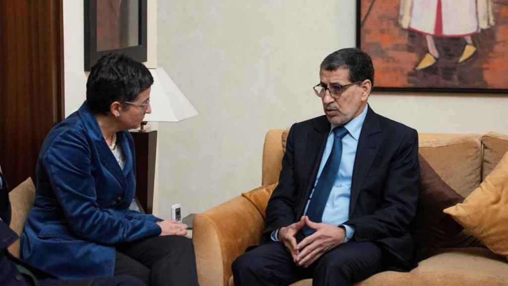 La ministra de Asuntos Exteriores, Arancha González Laya, en una reunión con el jefe de Gobierno del Reino de Marruecos, El Othmani, en Rabat