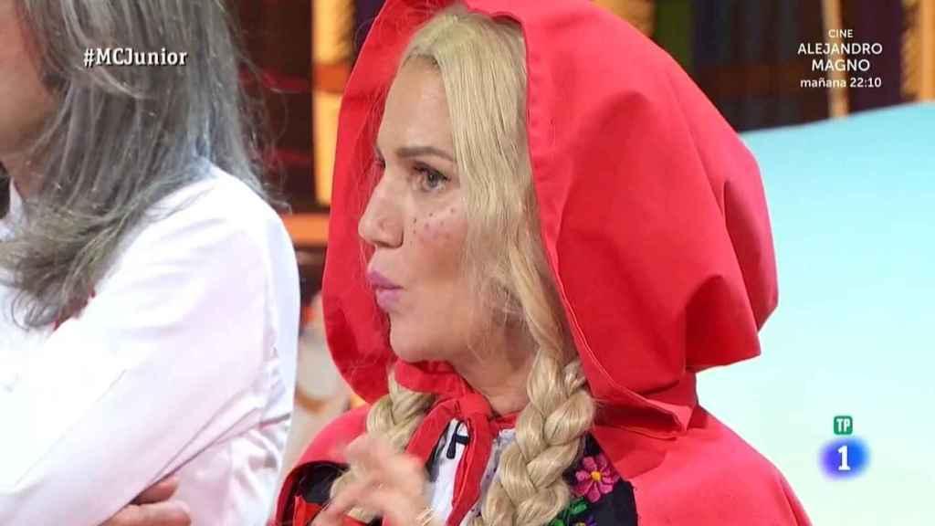 Samantha disfrazada de Caperucita roja este martes en el 'Junior'.