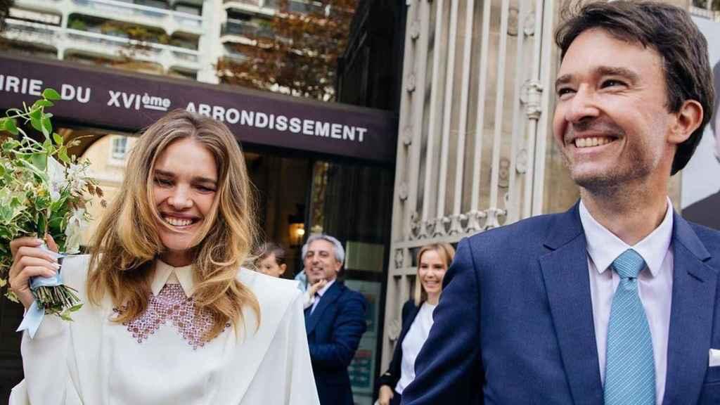 La supermodelo rusa y su pareja se dieron el 'sí, quiero' en París.