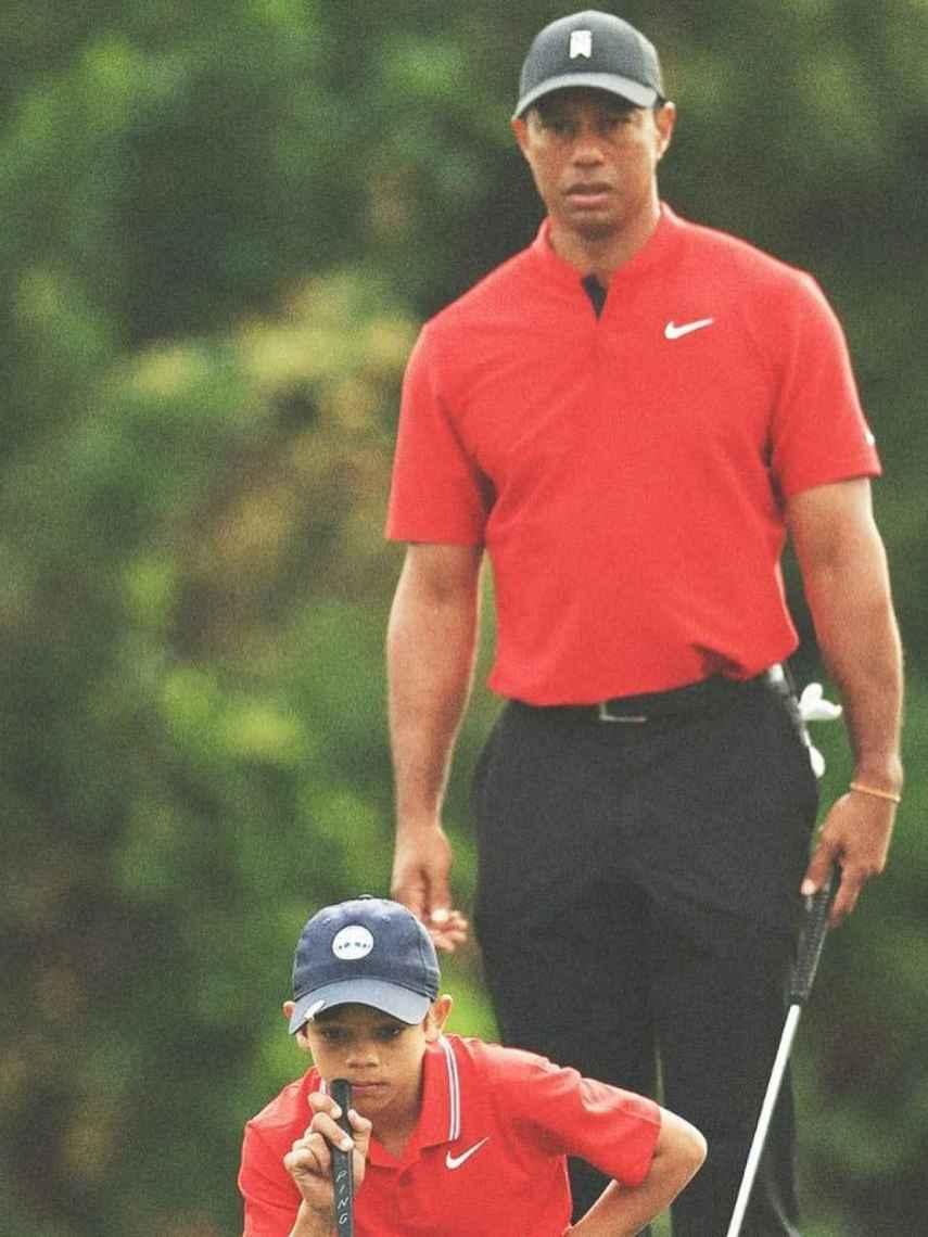 Tiger Woods et son fils Charlie, lors du tournoi familial PNC Championship à Orlando
