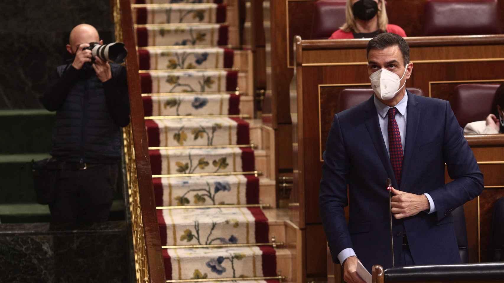 Sánchez tendrá el control total de cerca de 8.200 ventanillas para acceder a los fondos