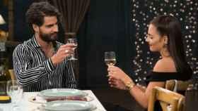 Un posible romance entre Cabano y Yoli está en el corazón de 'FOQ: el reencuentro'.